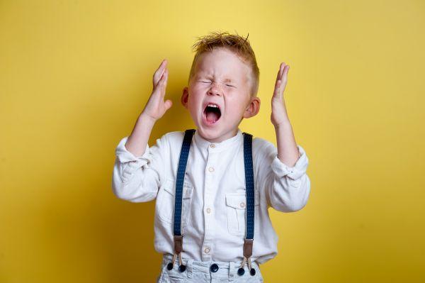 Τι να κάνω όταν το παιδί μου παθαίνει ξαφνικά υστερία; | imommy.gr