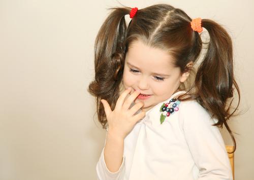 Ντροπαλό παιδί: Πώς να το βοηθήσω; | imommy.gr