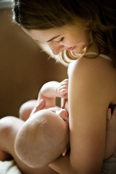 Αυτά είναι τα οφέλη του πρώτου θηλασμού! | imommy.gr