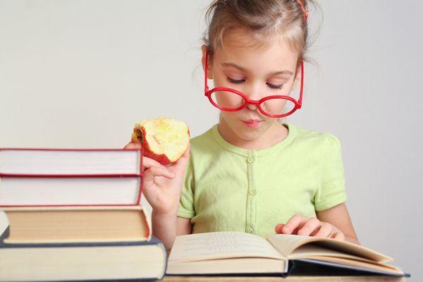 Αποτέλεσμα εικόνας για διαβασμα παιδιου