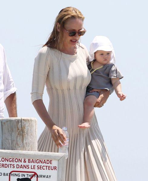 Η Ούμα Θέρμαν με την κόρη της Ρόσαλιντ στις πρώτες τους διακοπές | imommy.gr
