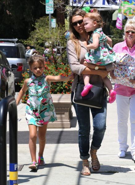 Οι κόρες της Τζέσικα Άλμπα ντύνονται ασορτί! | imommy.gr