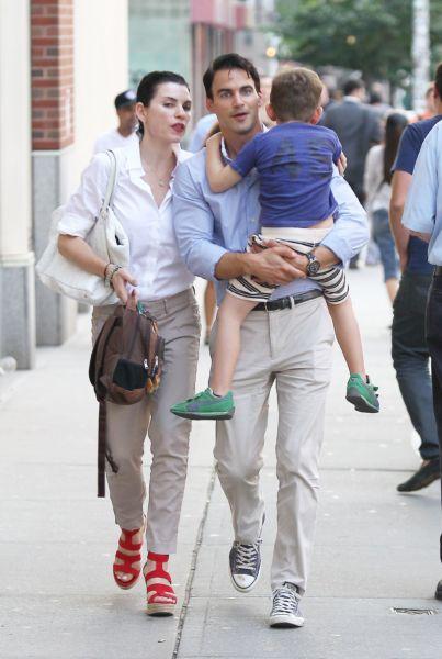 Η τηλεοπτική «The Good Wife» με τους δύο άντρες της ζωής της! | imommy.gr