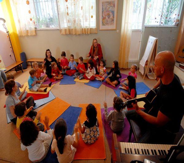 «Ένα ουράνιο τόξο με τα χρωματιστά τραγούδια» | imommy.gr