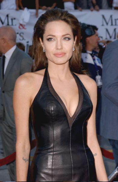 Αντζελίνα Τζολί: 12 πράγματα που δεν ξέρατε για την διάσημη σταρ!   imommy.gr