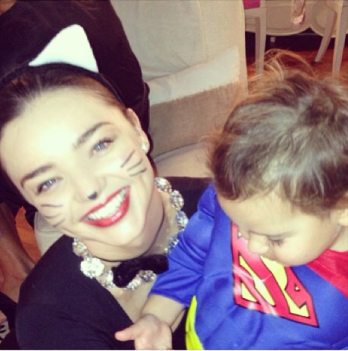 Halloween: Διάσημοι μικροί και μεγάλοι εν δράσει! | imommy.gr