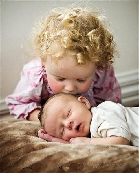 10 διαφορές ανάμεσα στο πρώτο και το δεύτερο παιδί | imommy.gr