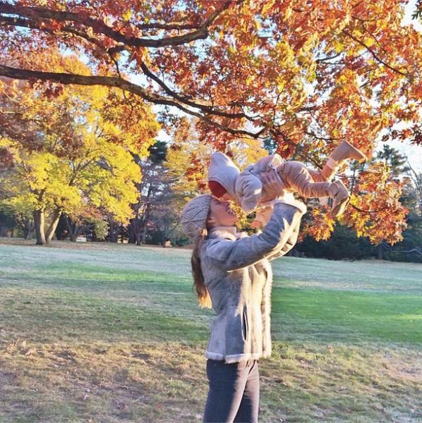 Η Ζιζέλ με την κόρη της σε ακόμα ένα τρυφερό στιγμιότυπο!   imommy.gr