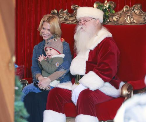 Ένα διάσημο μωρό συναντά τον πιο διάσημο άγιο των γιορτών! | imommy.gr