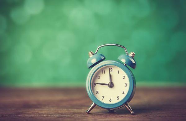 Μήπως το σχολικό κουδούνι χτυπάει πολύ νωρίς για τα παιδιά; | imommy.gr