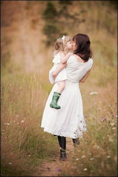 Πόση δύναμη κρύβει το μητρικό χάδι; | imommy.gr