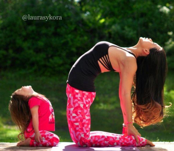 Yoga fun: Μαμά & κόρη σε απίστευτες πόζες! | imommy.gr