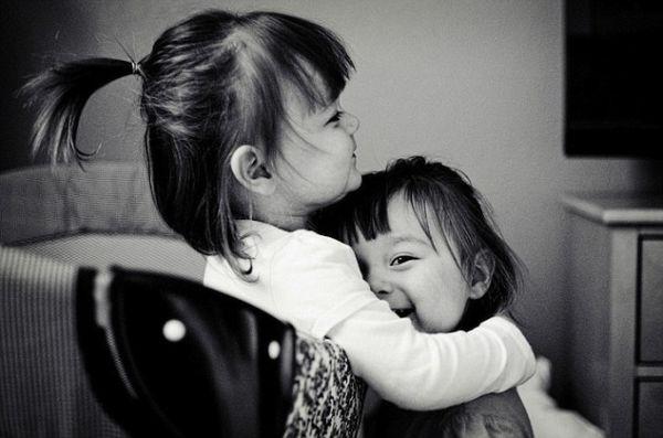 Η ζωή μου με τις δίδυμες κόρες μου σε εικόνες… | imommy.gr