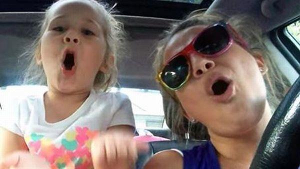 Βίντεο: Εκπληκτικό ντουέτο μαμάς και κόρης | imommy.gr