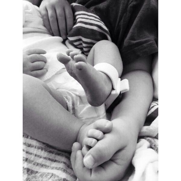 Η Αλίσα Μιλάνο μάς συστήνει το μωρό της! | imommy.gr