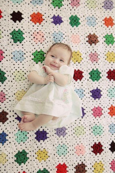 Γιατί είναι απαραίτητο να κάθεται το μωρό μας (και) μπρούμυτα; | imommy.gr