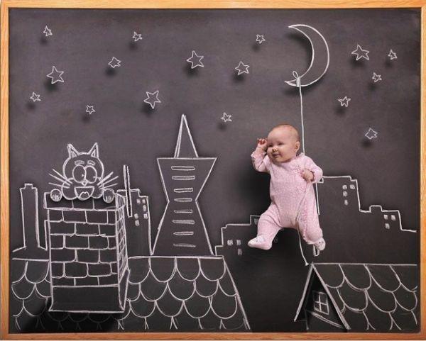 Φωτογραφίες μωρών πάνω σε μαυροπίνακα   imommy.gr