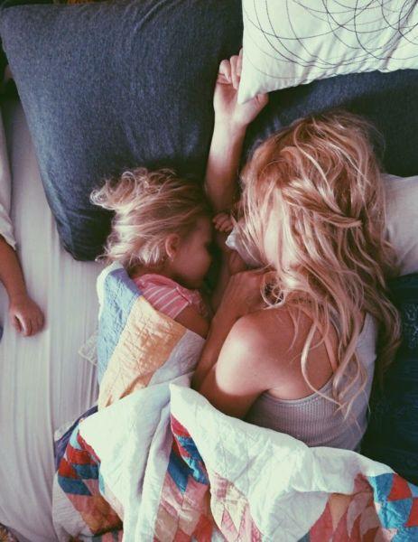 Οι πρώτες σκέψεις μιας μαμάς μόλις ξυπνήσει! | imommy.gr