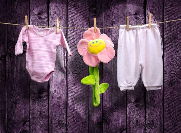 Τι κινδύνους κρύβει το στέγνωμα των ρούχων μέσα στο σπίτι; | imommy.gr