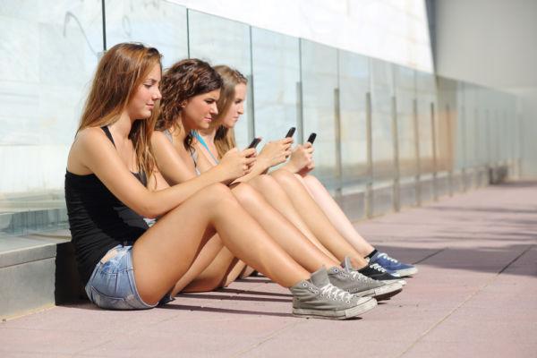 Τι παθαίνουμε χωρίς κινητό | imommy.gr
