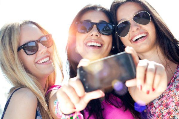 Γιατί τα smartphones προκαλούν πρόωρη γήρανση; | imommy.gr