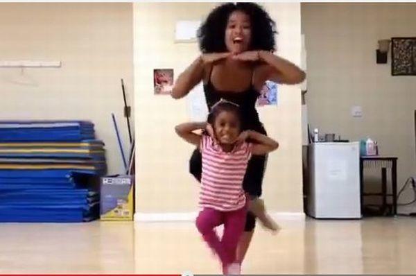 Βίντεο: Μικρό κοριτσάκι χορεύει με την μαμά της που είναι ήδη επαγγελματίας χορεύτρια! | imommy.gr