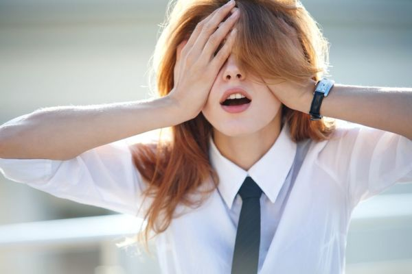 Πώς να προστατεύσουμε τα μάτια μας από την οθόνη των υπολογιστών | imommy.gr