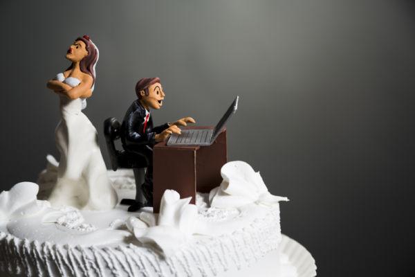 Social media: απειλoύν το γάμο | imommy.gr