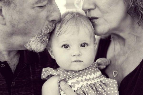 Η παρουσία των παππούδων (και γιαγιάδων) διασφαλίζει την ψυχική υγεία των παιδιών | imommy.gr