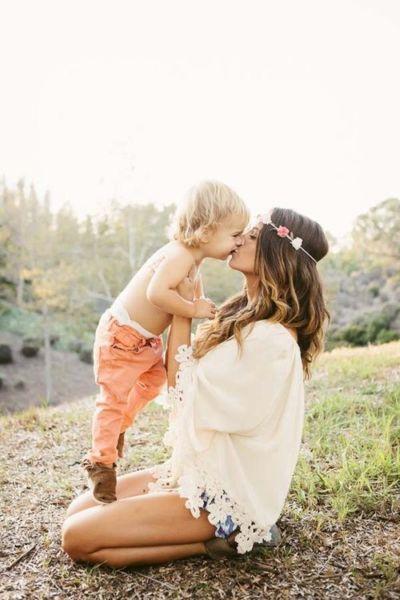 Είναι κακό να φιλάμε το παιδί μας στο στόμα;   imommy.gr