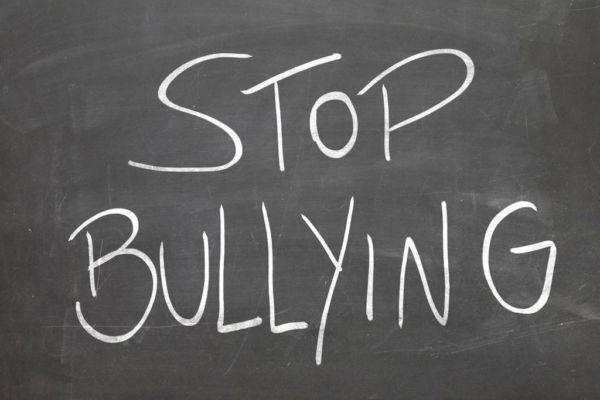 Κι όμως το bullying ξεκινά (και) από την οικογένεια!   imommy.gr