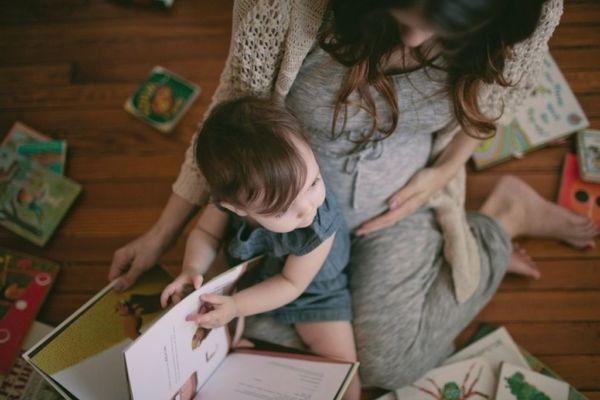Τα παραμύθια μεγαλώνουν έξυπνα παιδιά! | imommy.gr