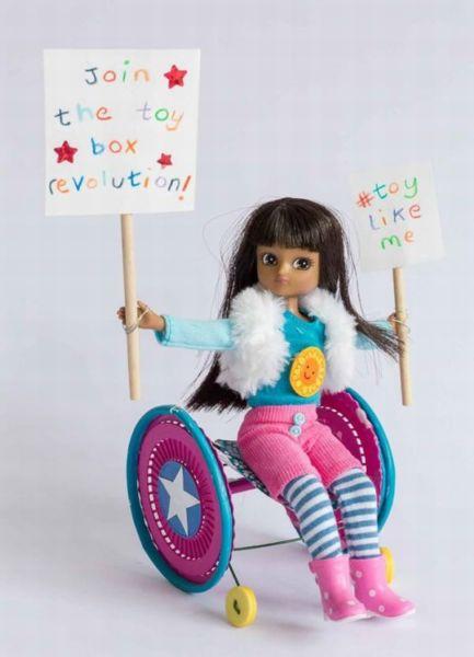 Οι πρώτες κούκλες με αναπηρία είναι γεγονός! | imommy.gr