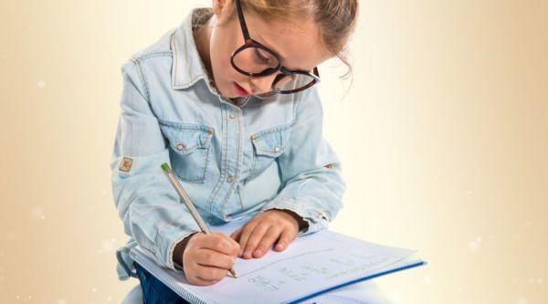 Δυσγραφία: Γιατί κάνει το παιδί μου άσχημα γράμματα; | imommy.gr