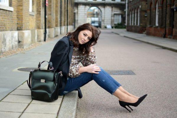 Η fashion blogger που έχει μόνο 27 ρούχα στην ντουλάπα της | imommy.gr