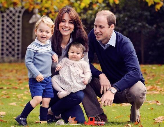 Η πρώτη οικογεινειακή φωτογραφία της βασιλικής οικογένειας!   imommy.gr