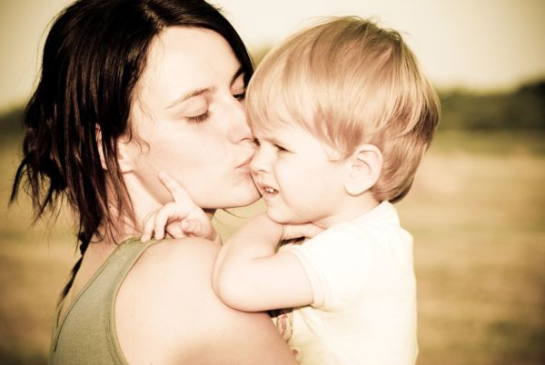 Τι πρέπει να κάνετε αν το παιδί σας τραυματιστεί! | imommy.gr