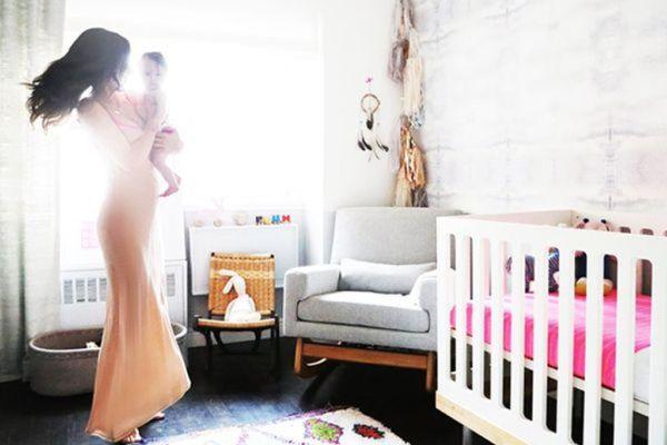 Γιατί δεν πρέπει να μπαίνουμε με τα παπούτσια στο δωμάτιο του μωρού! | imommy.gr
