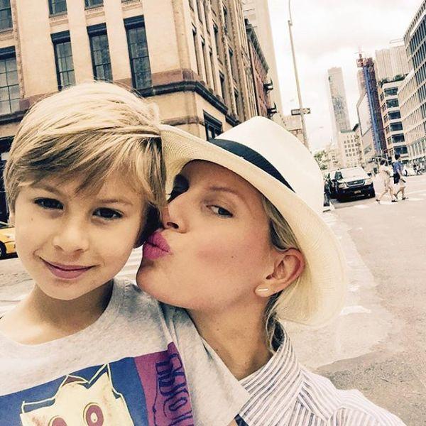 Καρολίνα Κούρκοβα: Ευτυχισμένες οικογενειακές στιγμές | imommy.gr