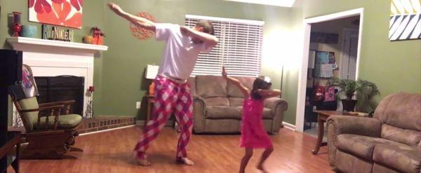 Βίντεο: Μπαμπάς και κόρη χορεύουν και τρελαίνουν το διαδίκτυο! | imommy.gr
