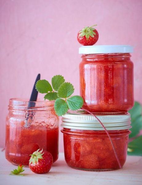 Εύκολη μαρμελάδα φράουλα με μόνο 3 υλικά | imommy.gr