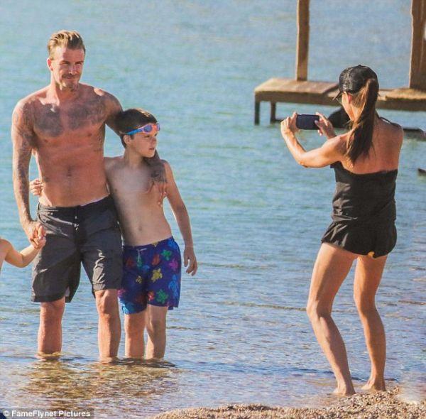 Η οικογένεια Μπέκαμ κάνει διακοπές στην Ελλάδα! | imommy.gr