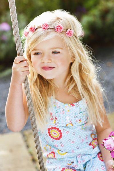 Είναι σωστό να λέμε στο παιδί μας ότι είναι όμορφο; | imommy.gr