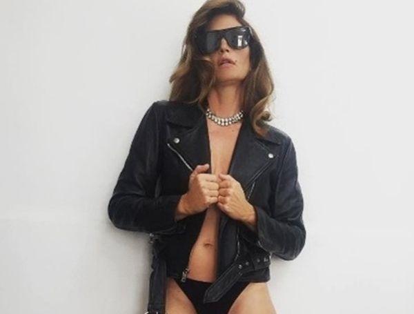 Σίντι Κρόφορντ: Φωτογραφίζεται στα 50 της πιο σέξι από ποτέ! | imommy.gr