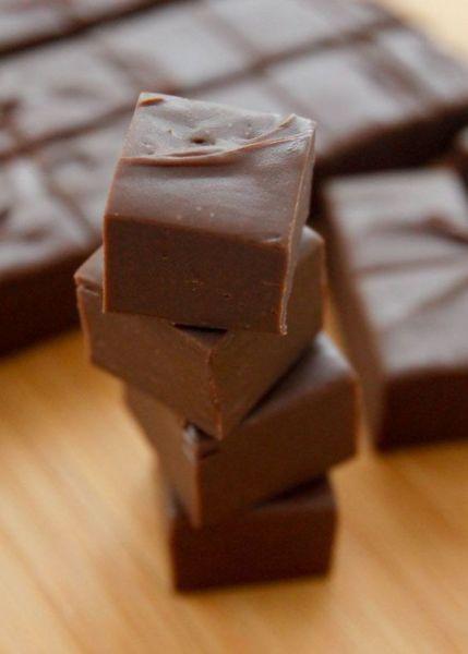 Το πιο εύκολο σοκολατογλυκό με 2 υλικά! | imommy.gr