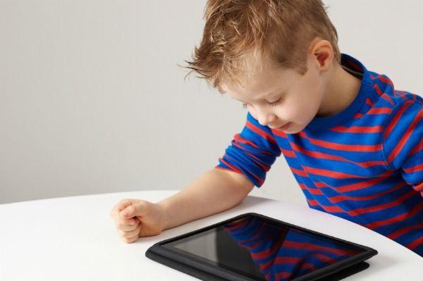 Πόση ώρα ανά ηλικία επιτρέπεται η χρήση ηλεκτρονικών συσκευών; | imommy.gr