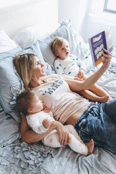 Από ποια ηλικία μπορούμε να διαβάζουμε στο μωρό μας; | imommy.gr