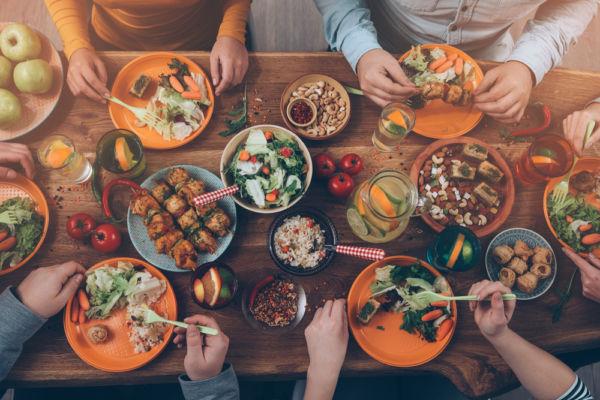 Μη φάτε δείπνο ή φάτε το πολύ νωρίς! | imommy.gr