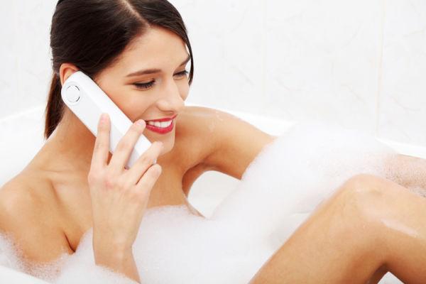 Μακριά το κινητό από την τουαλέτα   imommy.gr