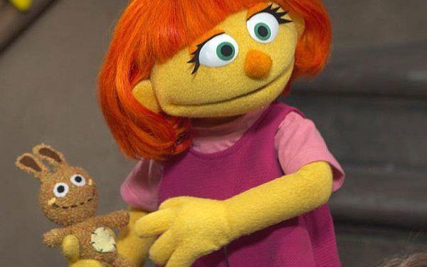 Καλωσορίστε την Τζούλια, την πρώτη μαριονέτα με αυτισμό από την Sesame Street | imommy.gr